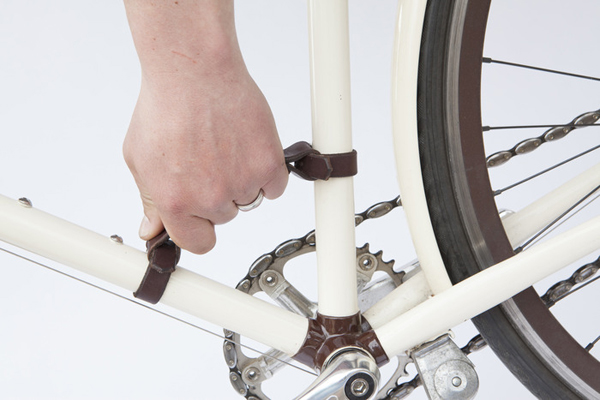 A BRILLIANT NEW WAY TO CARRY YOUR BICYCLE