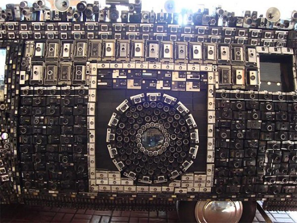 Crazy Van Covered in Hundreds of Cameras and Lenses