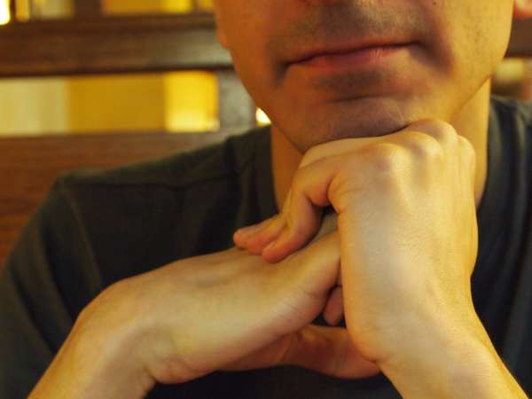 SCIENTISTS FIGURE OUT WHY YOUR KNUCKLES CRACK