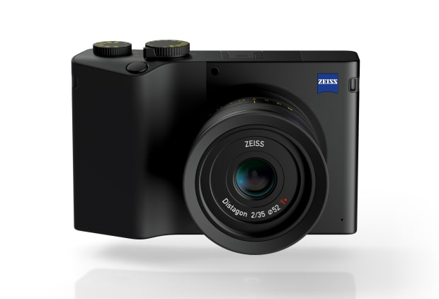 Zeiss announces the ZX1, a full frame, fixed lens camera