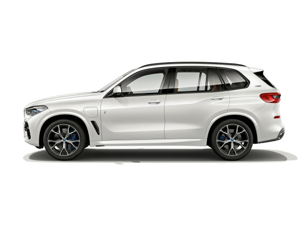 The latest BMW X5 iPerformance gets a boost in range and performance